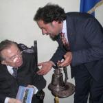 Marinelli dona campana Andreotti