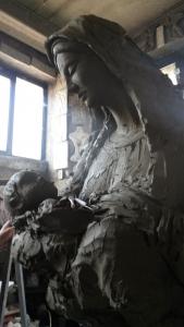 Madonna in bronzo lavorazione della creta - Fonderia Marinelli